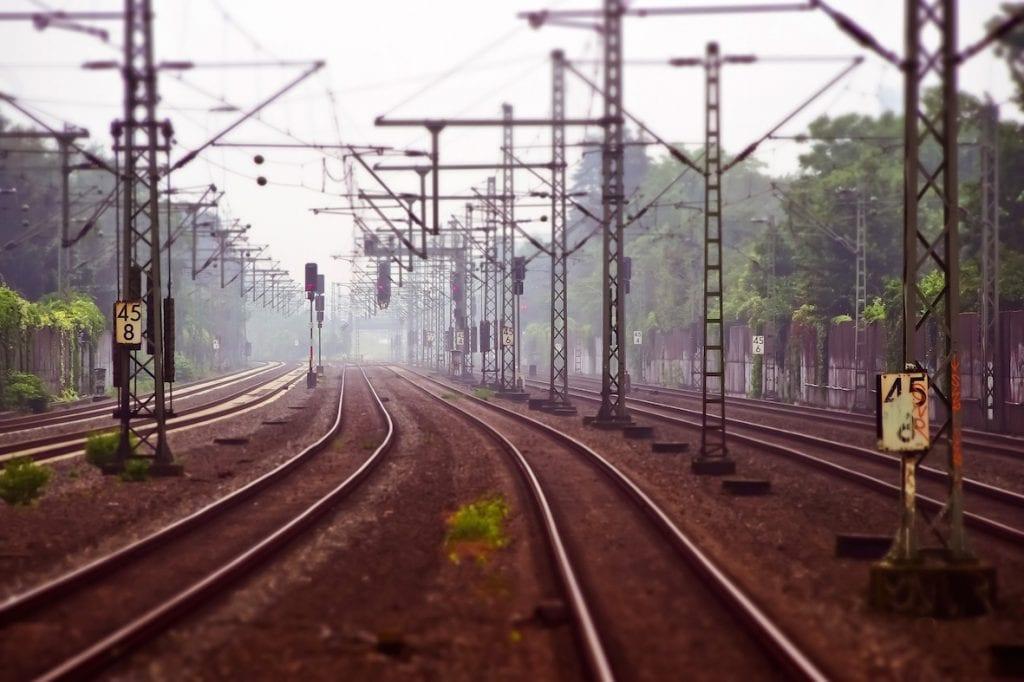 grève 5 décembre rails vides train terres et territoires
